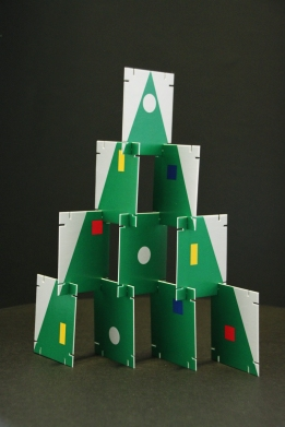 The assembled cards becomes a Christmas tree